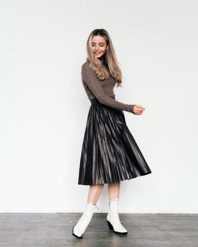 Плиссированная юбка из экокожи в цвете шоколад