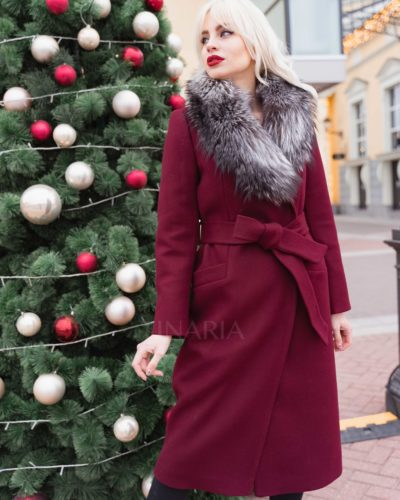 Зимнее пальто-халат в винном цвете с мехом чернобурки 115 см