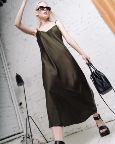 Платье в бельевом стиле в цвете хаки