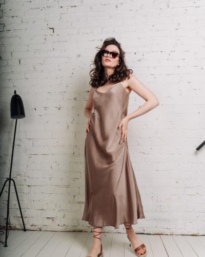 Платье в бельевом стиле в цвете кофе