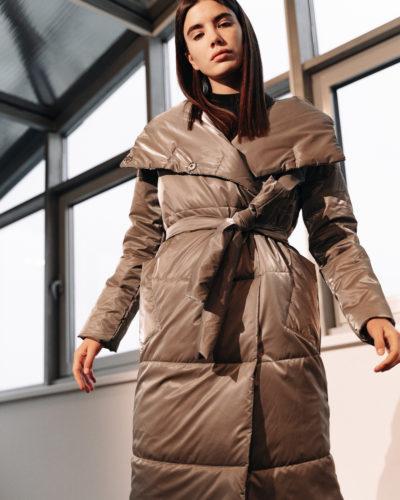Куртка с отложным воротником-капюшоном в цвете темный металлик