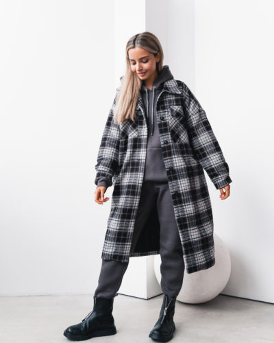 Зимнее пальто-рубашка в черную клетку