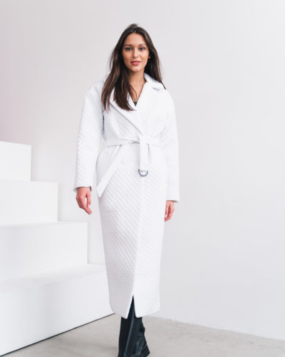 Стеганое пальто длины макси в белом цвете