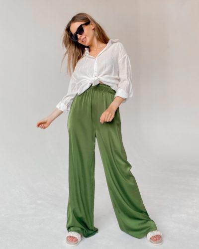 Атласные брюки палаццо зеленого цвета