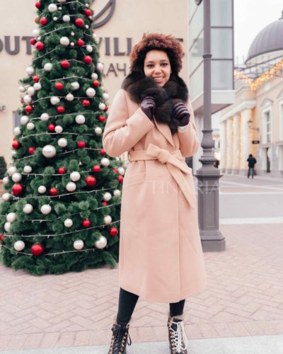 Зимнее пальто-халат в цвете кэмел с мехом песца 115 см