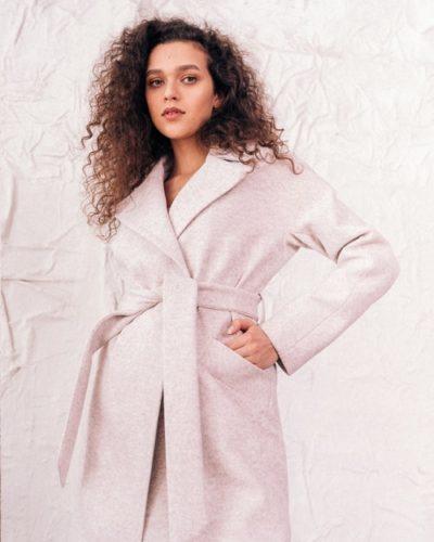 Пальто халат с плечом реглан в молочном цвете 115 см